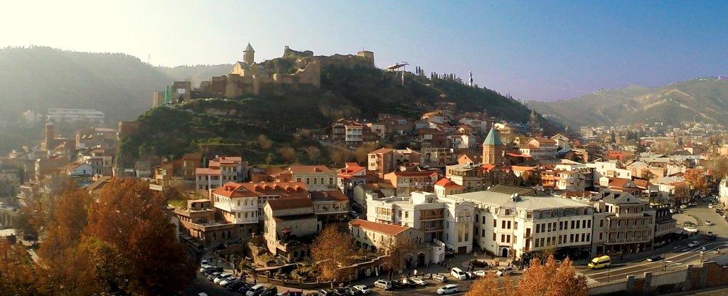 Тбилиси Грузия ноябрь 2016 Старый город,  - Фото с квадрокоптера