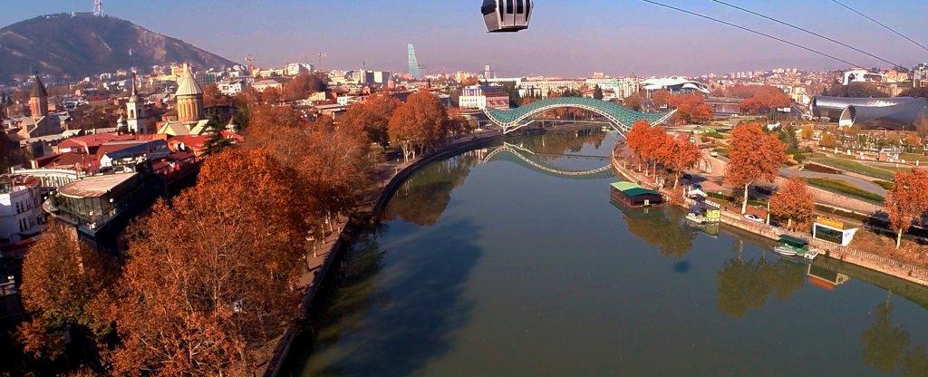 Тбилиси Грузия ноябрь 2016 Канатная дорога,  - Фото с квадрокоптера