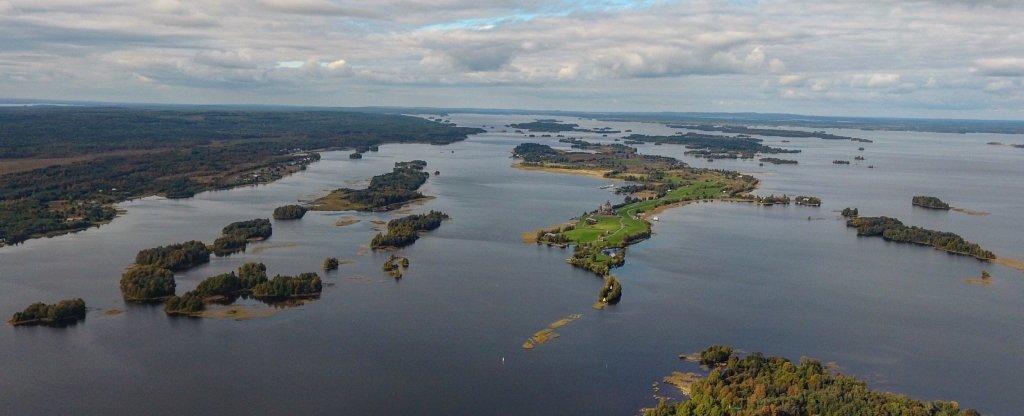 Сотни островков Онежского озера,  - Фото с квадрокоптера