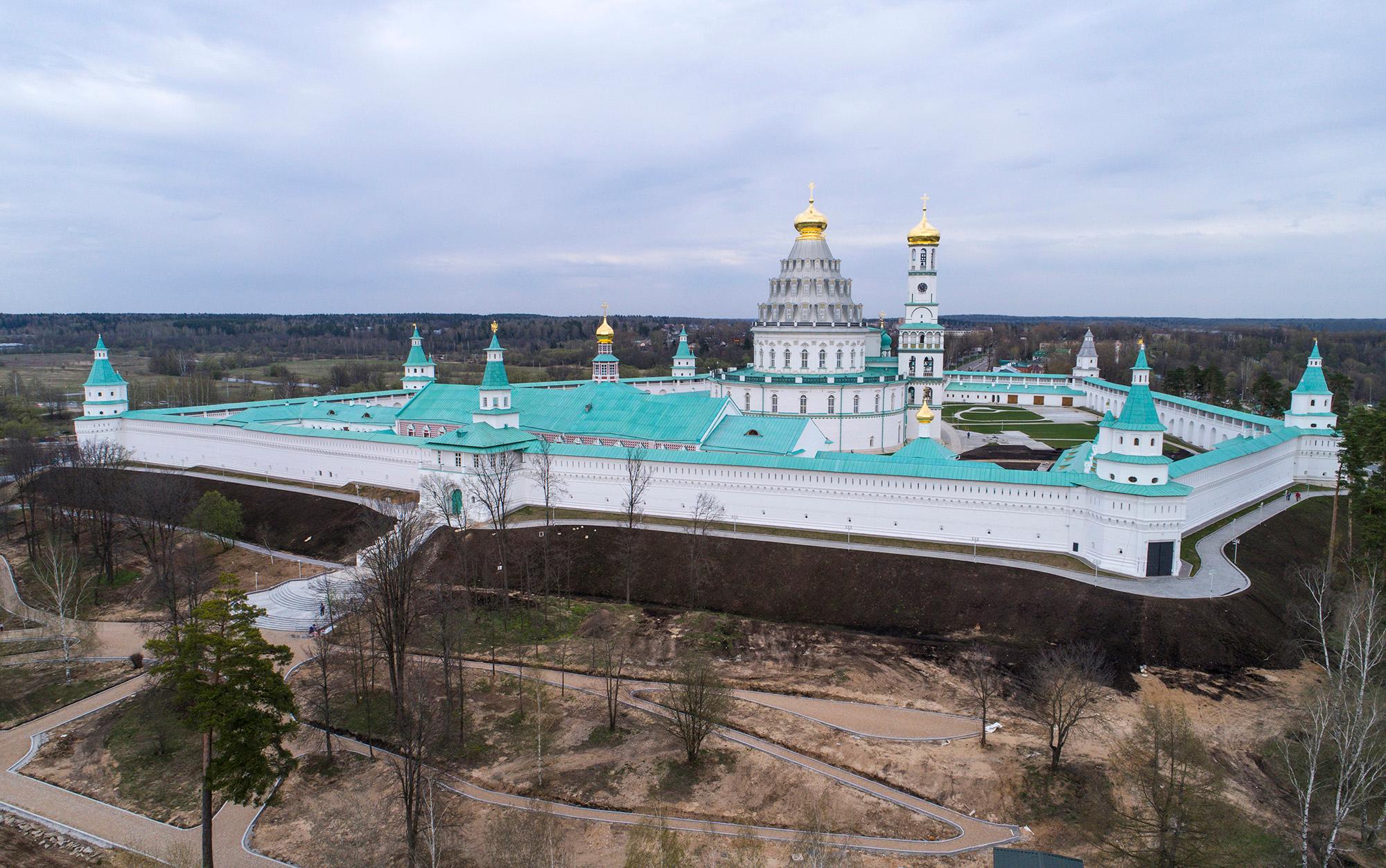 монастырь новый иерусалим подмосковье истра фото представьте лица